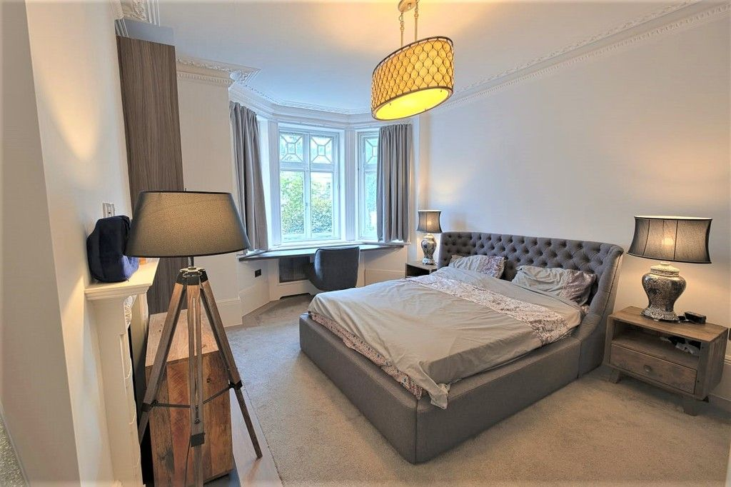 3 bed flat to rent in Abingdon Villas, London  - Property Image 5