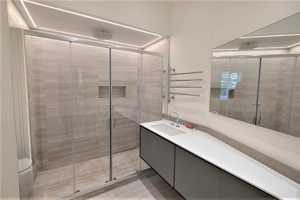 3 bed flat to rent in Abingdon Villas, London 9