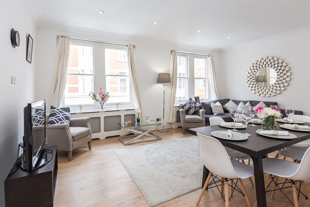 3 bed flat to rent in Nassau Street, London 2