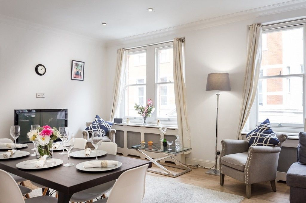 3 bed flat to rent in Nassau Street, London 3