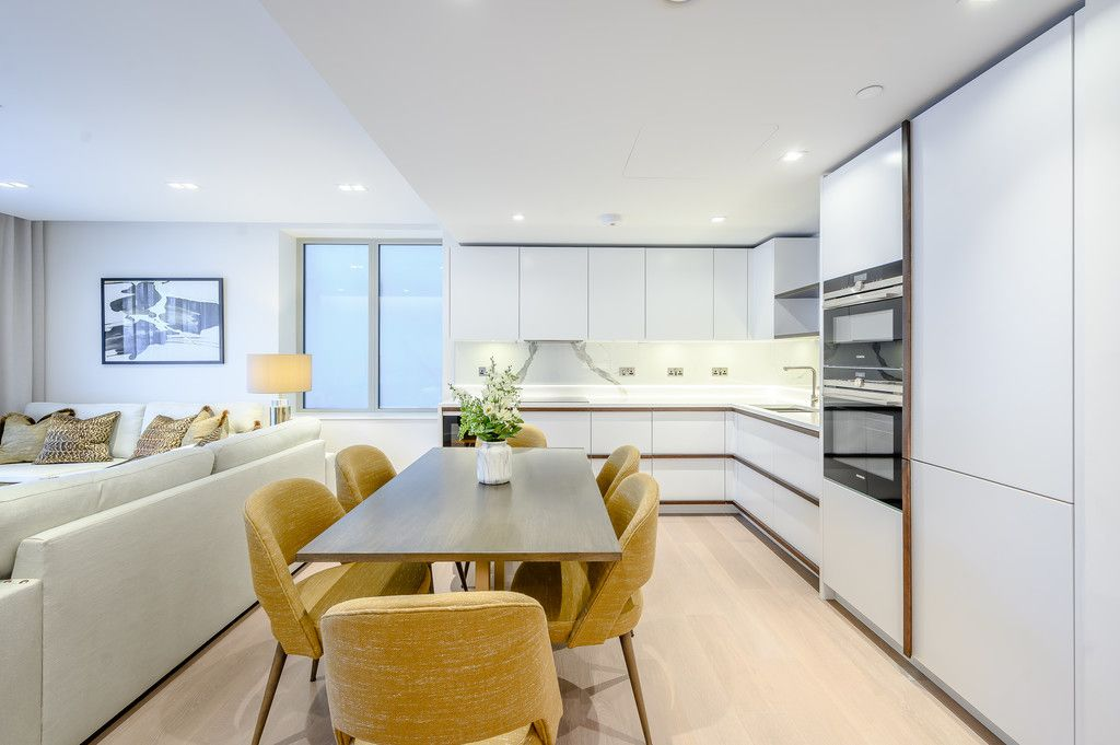 3 bed flat to rent in Garrett Mansions, 287 Edgware Road 3
