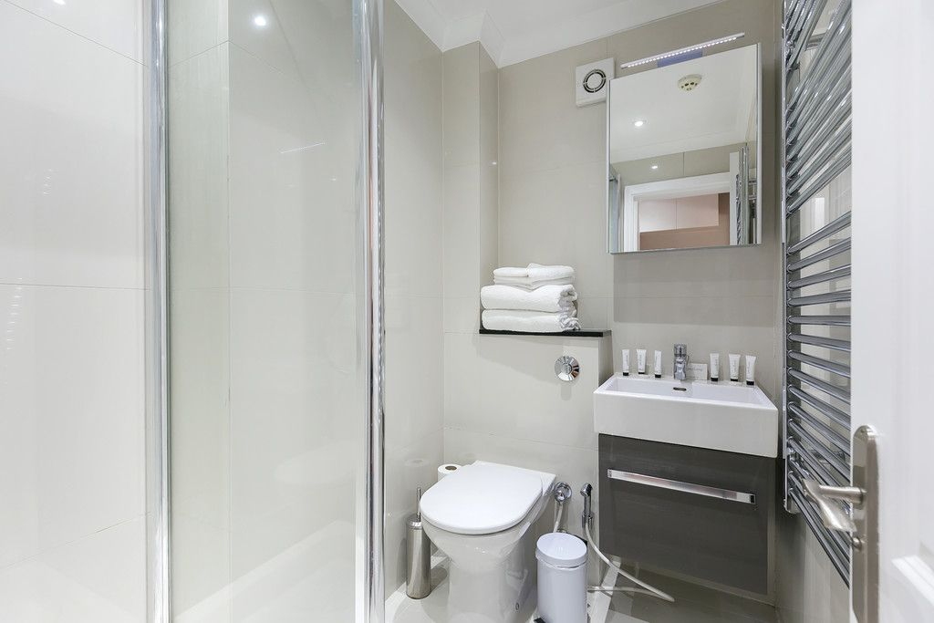 Flat to rent in 125-129 Gloucester Terrace 12