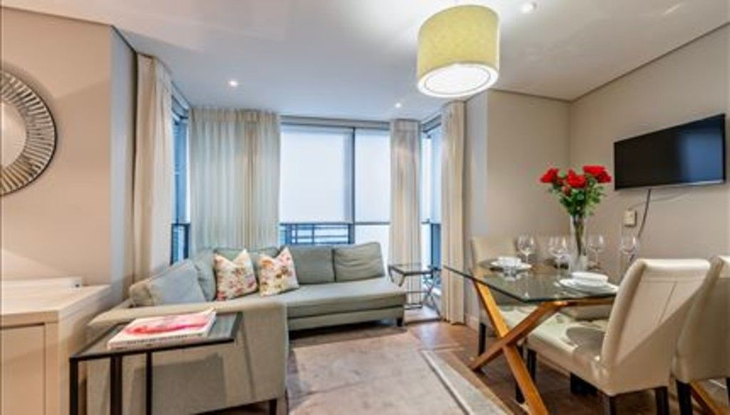 3 bed flat to rent in Merchant Square East, London, W2