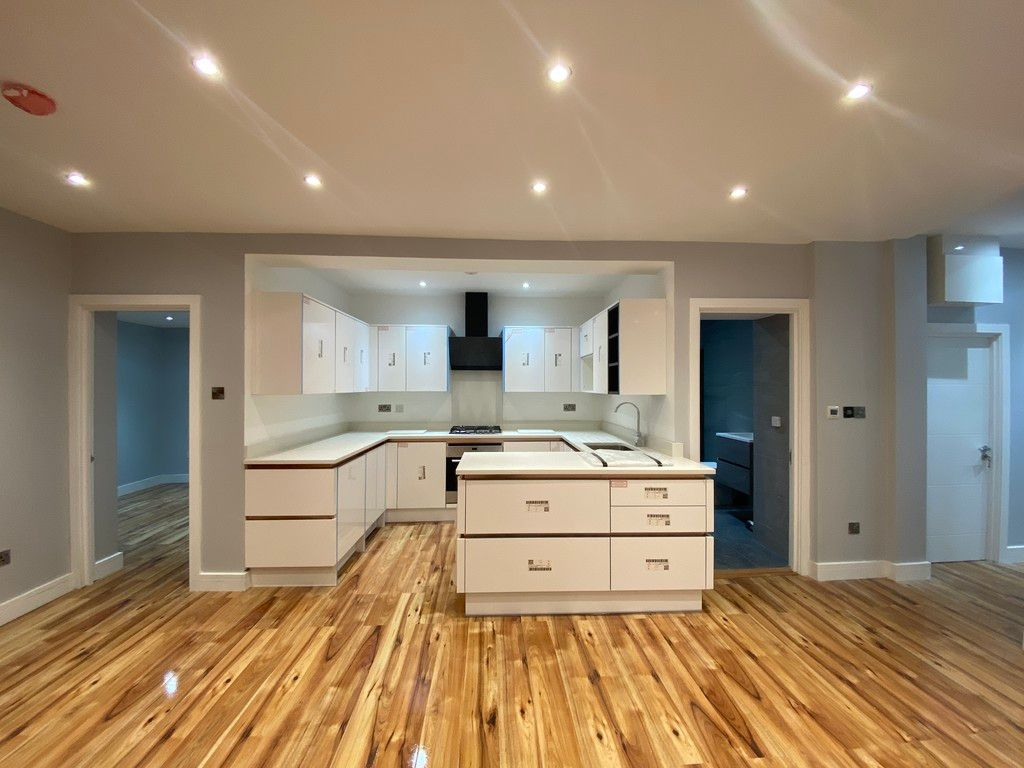 3 bed flat for sale in North Hill, London 2
