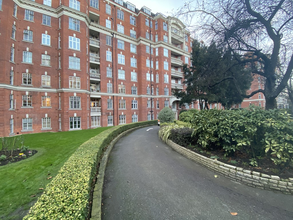 2 bed flat for sale in Maida Vale, London  - Property Image 2
