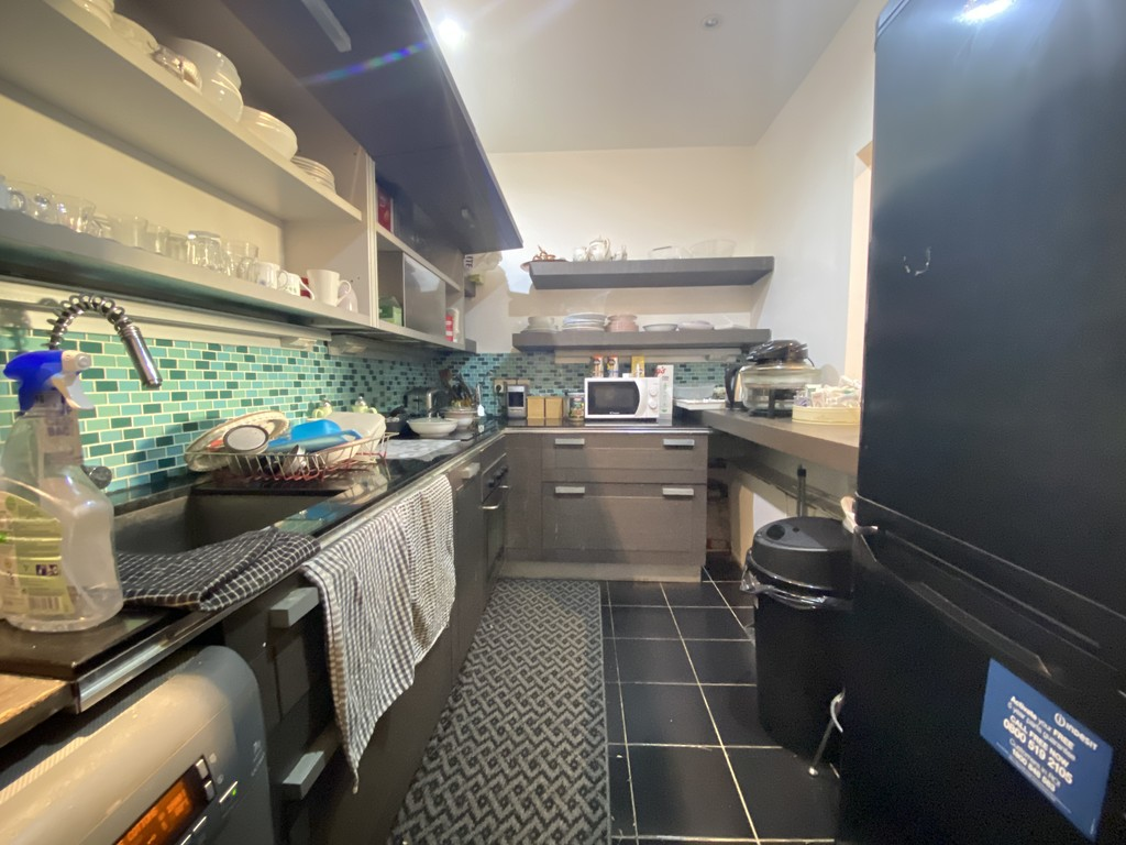 2 bed flat for sale in Maida Vale, London 6