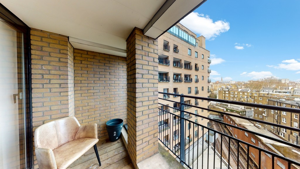 2 bed flat for sale in Point West , 116 Cromwell Road 11