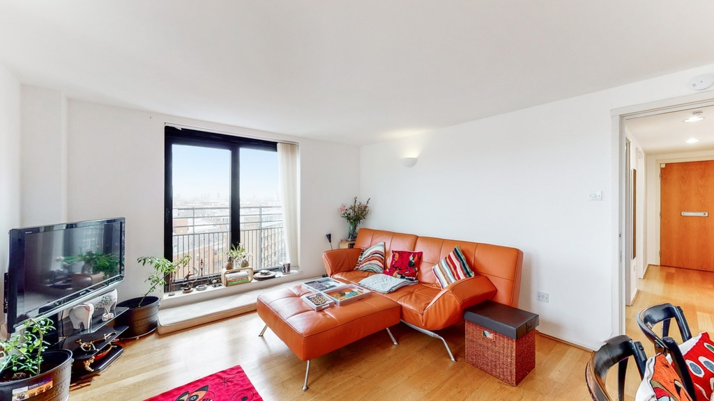2 bed flat for sale in Point West , 116 Cromwell Road 3