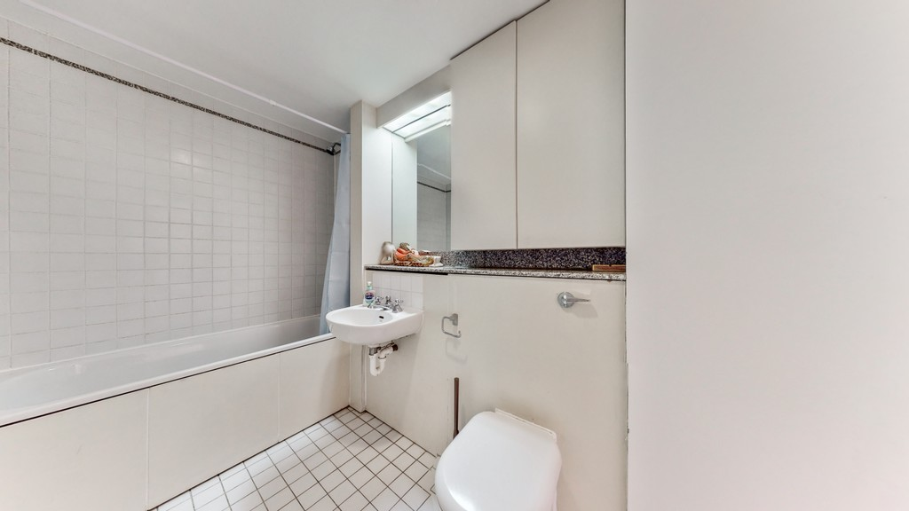 2 bed flat for sale in Point West , 116 Cromwell Road 10
