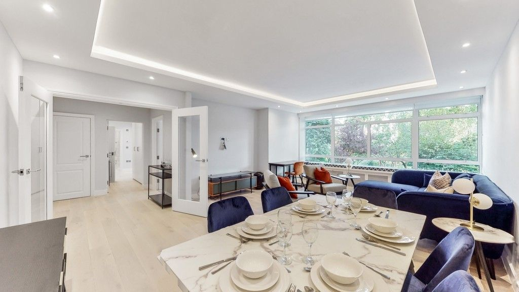2 bed flat to rent in Gloucester Square  - Property Image 2