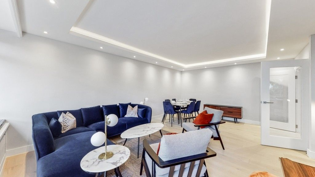 2 bed flat to rent in Gloucester Square  - Property Image 3