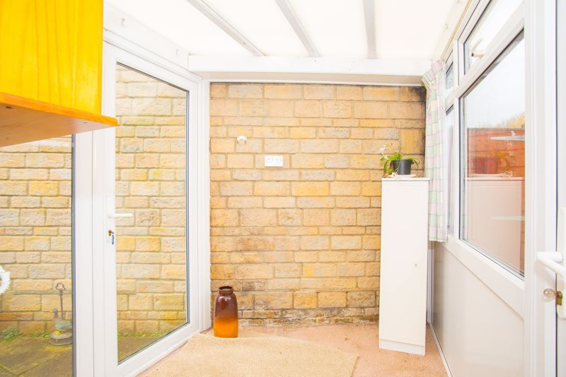 2 bed bungalow for sale in Stoke Sub Hamdon  - Property Image 11