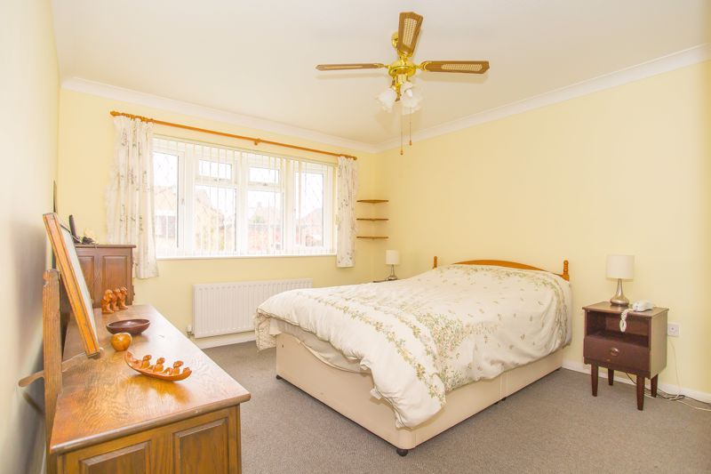 2 bed bungalow for sale in Stoke Sub Hamdon  - Property Image 12