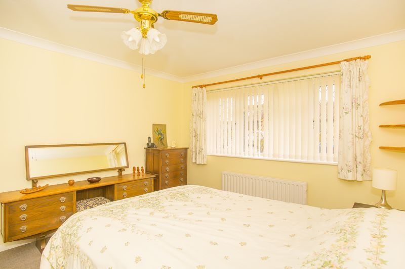 2 bed bungalow for sale in Stoke Sub Hamdon  - Property Image 13