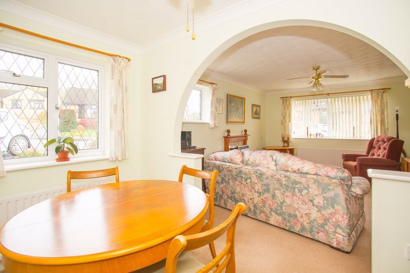 2 bed bungalow for sale in Stoke Sub Hamdon  - Property Image 3