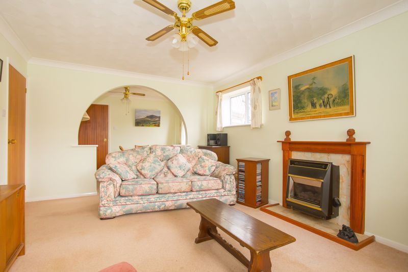 2 bed bungalow for sale in Stoke Sub Hamdon  - Property Image 9