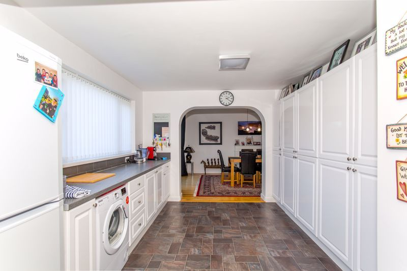 4 bed house for sale in Yeovil  - Property Image 14