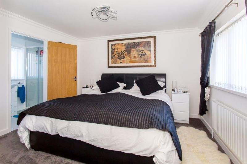 4 bed house for sale in Yeovil  - Property Image 5