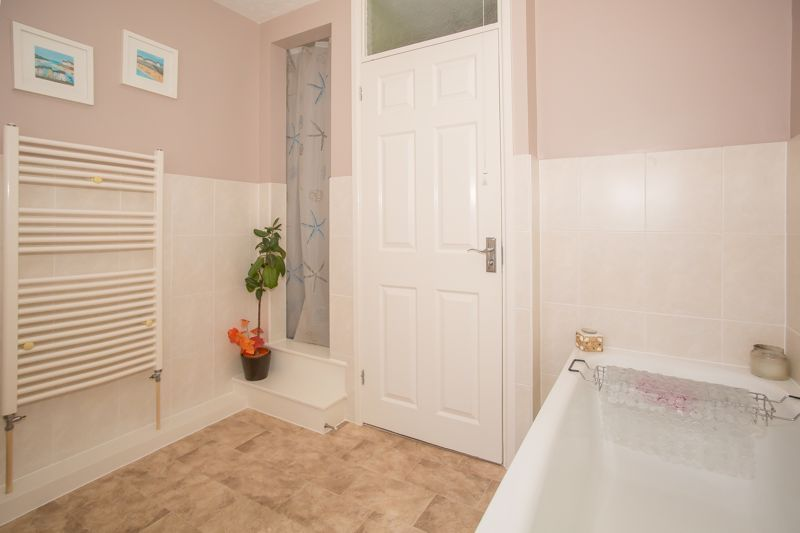 3 bed bungalow for sale in Bucklers Mead Road, Yeovil  - Property Image 16