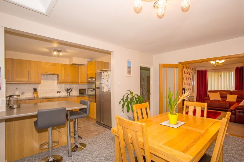 3 bed bungalow for sale in Bucklers Mead Road, Yeovil  - Property Image 3