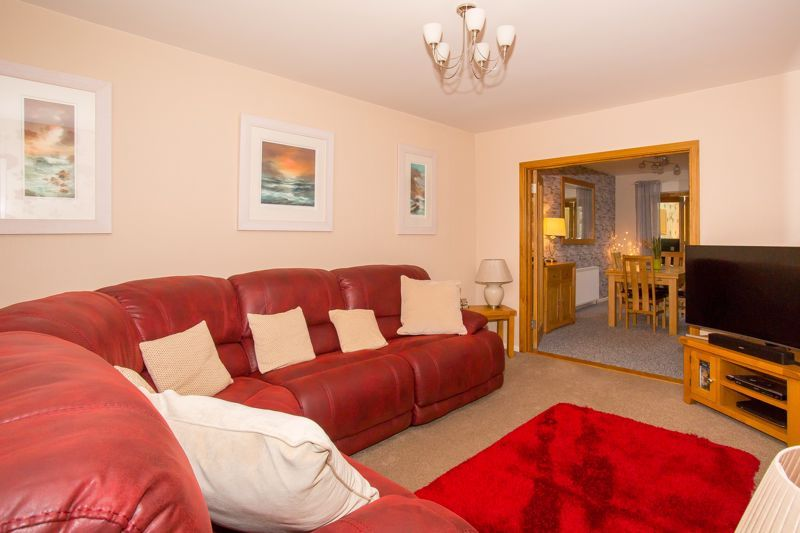 3 bed bungalow for sale in Bucklers Mead Road, Yeovil  - Property Image 10