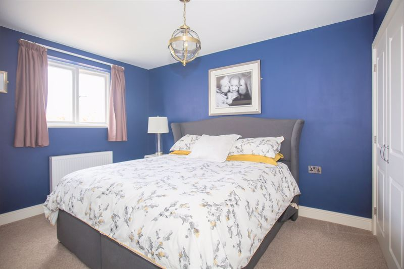 4 bed for sale in Yeovil (ref: 10256321)