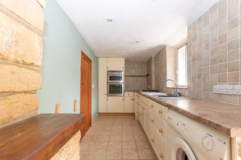 3 bed cottage for sale in Martock  - Property Image 5