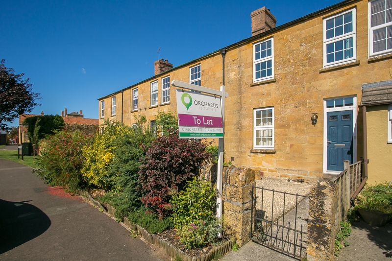 2 bed cottage to rent in Martock