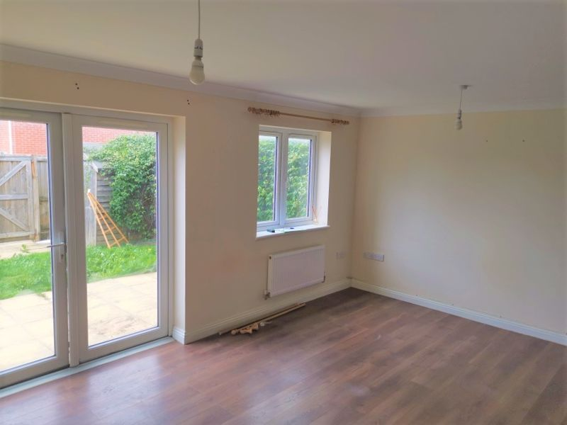 2 bed house to rent in Crewkerne  - Property Image 2