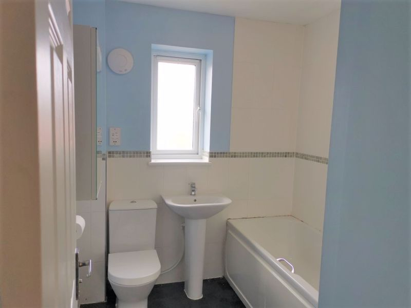 2 bed house to rent in Crewkerne  - Property Image 6