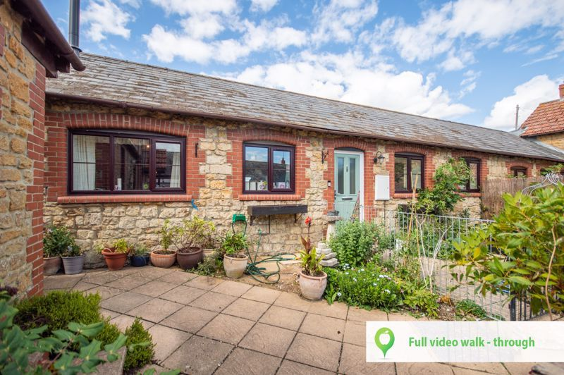 2 bed bungalow for sale in Haselbury Plucknett, Crewkerne, TA18
