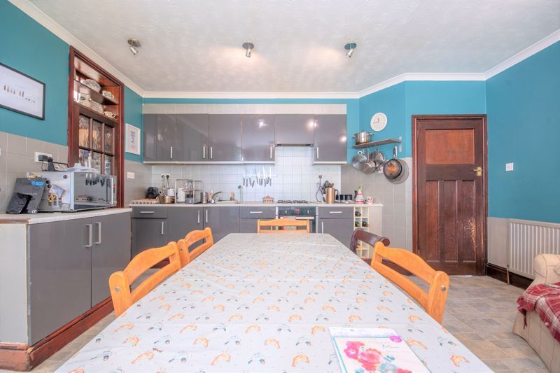 3 bed  for sale in Yeovil  - Property Image 4