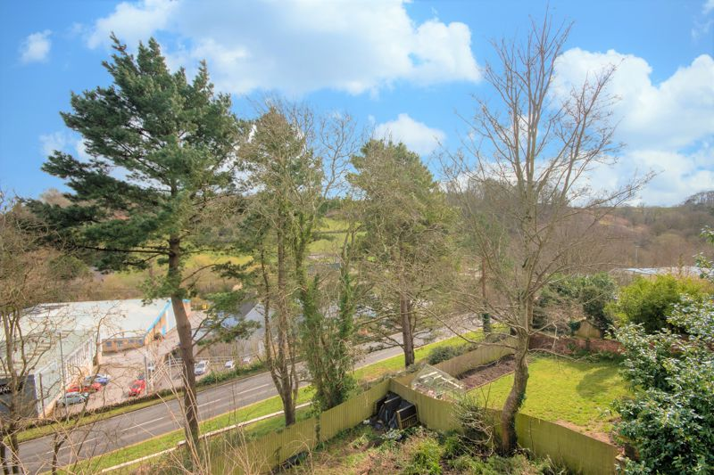 3 bed  for sale in Yeovil  - Property Image 8