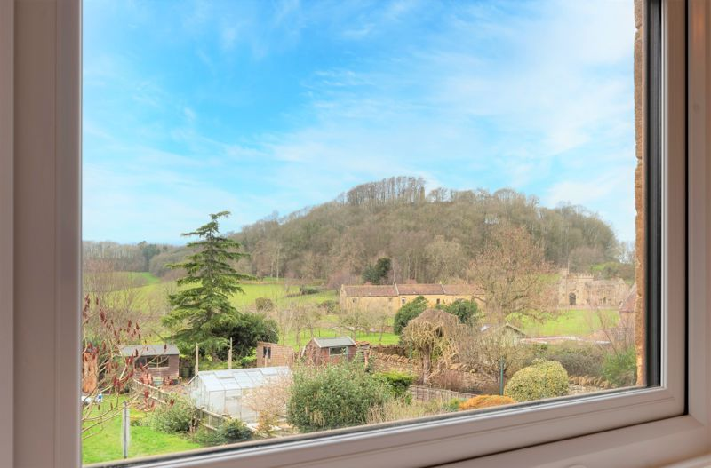 3 bed cottage for sale in Montacute  - Property Image 2
