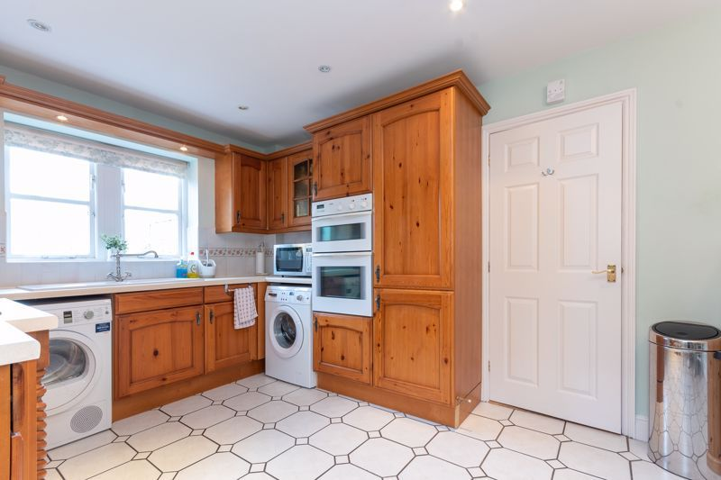 4 bed house for sale in Stoke-Sub-Hamdon  - Property Image 12