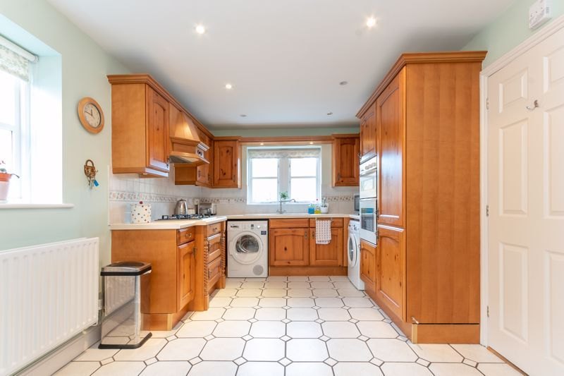 4 bed house for sale in Stoke-Sub-Hamdon  - Property Image 3