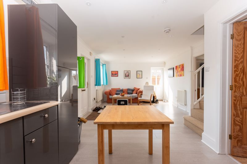 4 bed house for sale in Norton Sub Hamdon  - Property Image 3