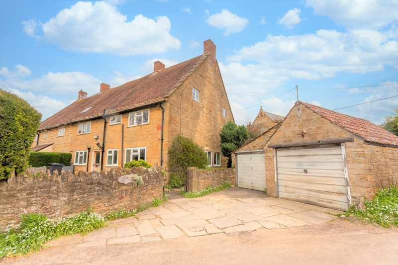 4 bed house for sale in Kingsbury Episcopi  - Property Image 2