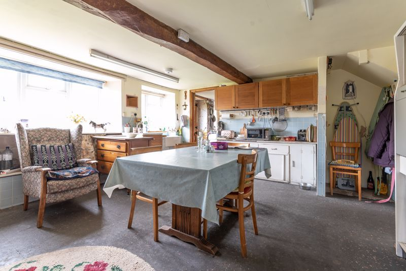 4 bed house for sale in Kingsbury Episcopi  - Property Image 12