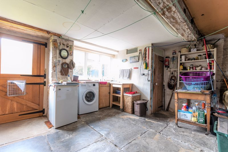 4 bed house for sale in Kingsbury Episcopi  - Property Image 10