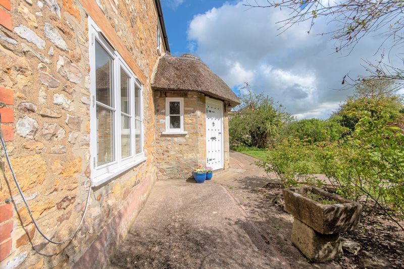 3 bed house for sale in Broadway, Ilminster  - Property Image 11