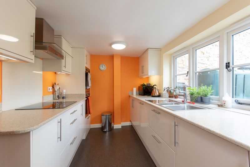 3 bed house for sale in Broadway, Ilminster  - Property Image 4