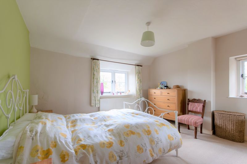 3 bed house for sale in Broadway, Ilminster  - Property Image 5