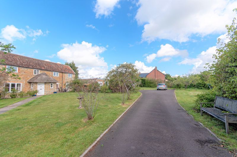 3 bed house for sale in Broadway, Ilminster  - Property Image 8