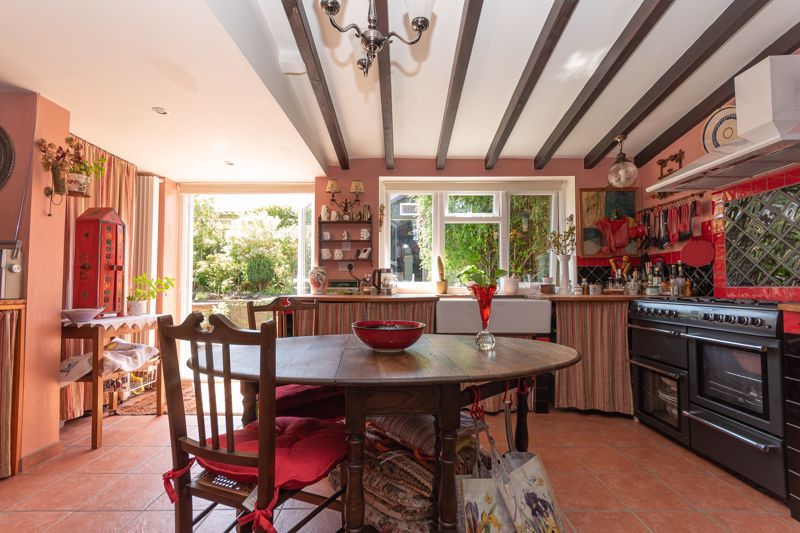 4 bed house for sale in South Petherton  - Property Image 2