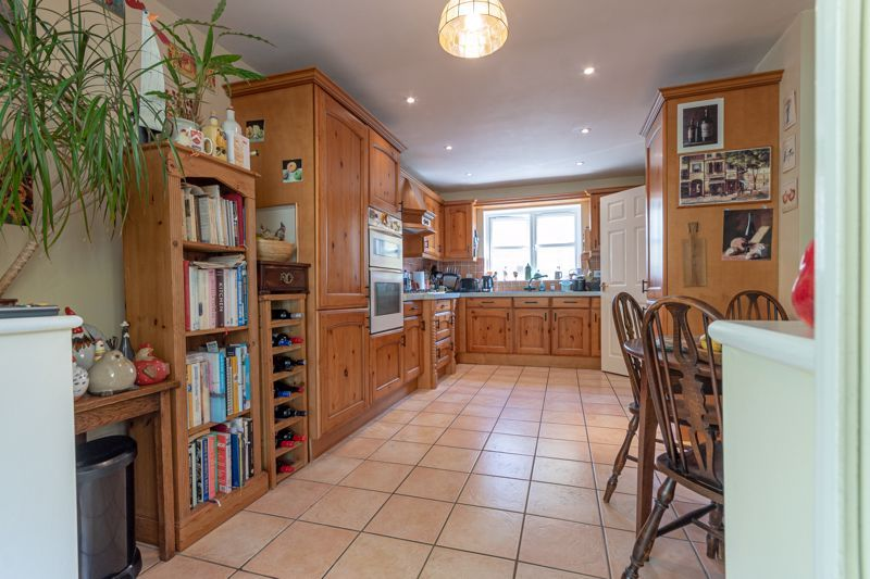 3 bed house for sale in Stoke-Sub-Hamdon  - Property Image 4