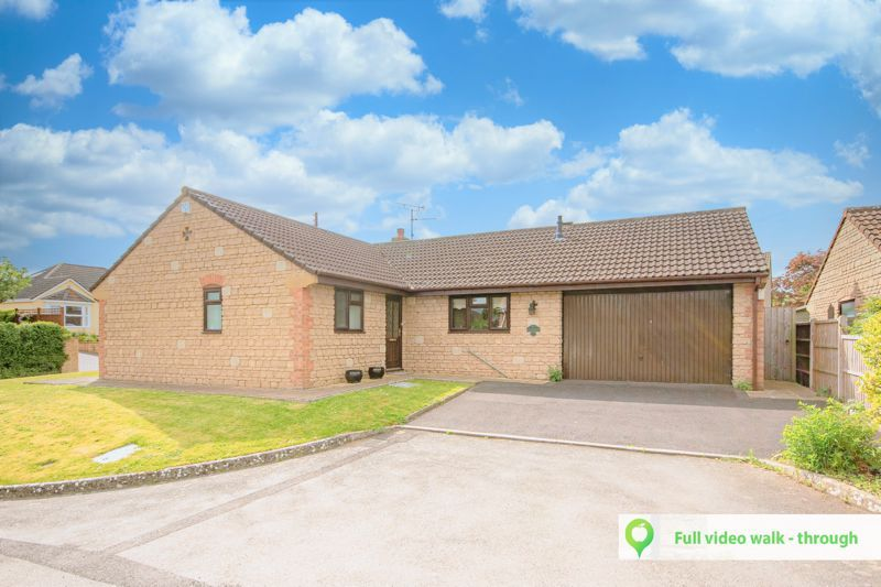 3 bed bungalow for sale in South Petherton