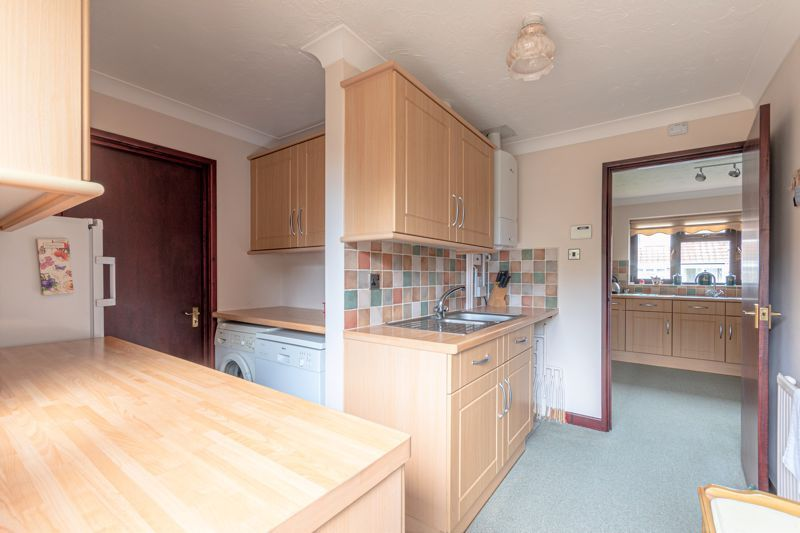 3 bed bungalow for sale in South Petherton  - Property Image 13