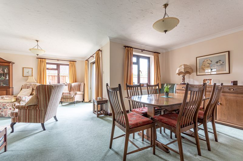 3 bed bungalow for sale in South Petherton  - Property Image 3
