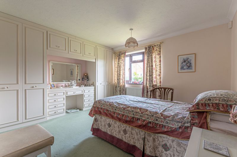 3 bed bungalow for sale in South Petherton  - Property Image 6